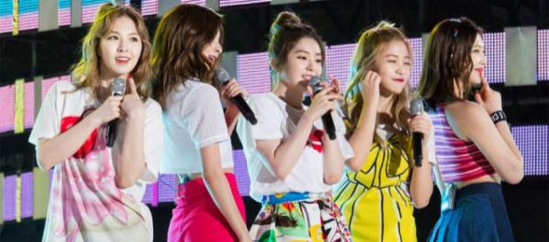 Red Velvet performing at MBC Thank You Festival (Image credit – secret_icecream, Wikimedia Commons)