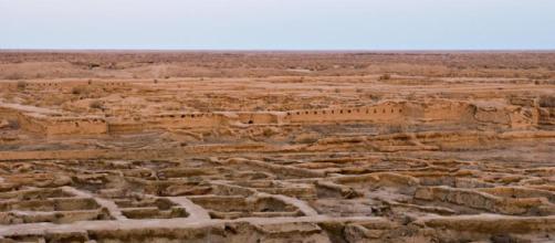 Gonur Depe en el este de Turkmenistán: vista de las ruinas al amanecer