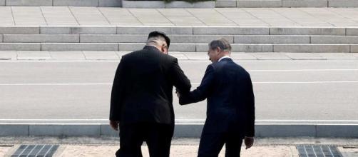 Kim Jong-un e Moon Jae-in, foto by www.trouw.nl
