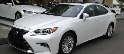 Lexus ES, eleganza e potenza insieme