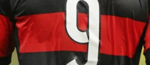 O atleta vestirá a camisa nove