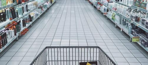 Save more money on your next trip to the grocery store. image credit: - free image use via Oleg Magni/Pexels.com