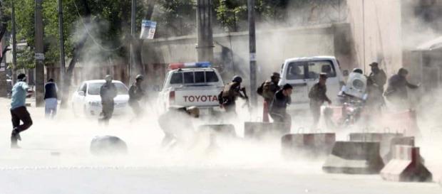 Doble atentado en Kabul mata a 25 personas,