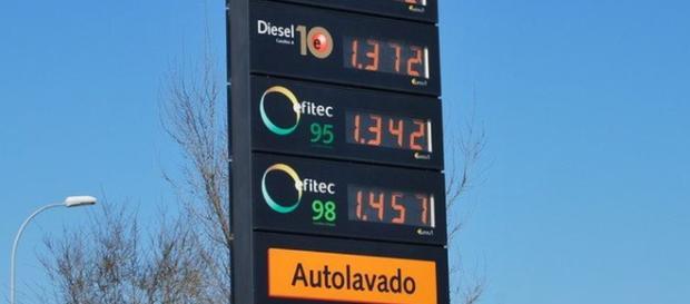 Las petroleras no saben cómo explicar por qué no baja el precio de ... - elconfidencialdigital.com