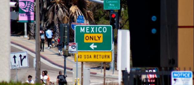 San Ysidro, CA border crossing. [Image credit: Dhinal Chheda/Flickr]