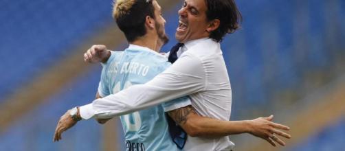 Luis Alberto con Simone Inzaghi, abbraccio dopo un goal