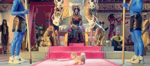 Jiff Pom in 'Dark Horse' music video. - [Katy Perry / YouTube screencap]
