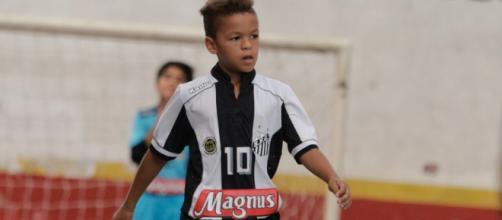 David foi o jogador mais jovem a assinar um contrato