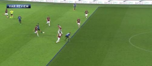 Fonte: http://www.calciomercato.com/news/milan-inter-la-moviola-live-23621
