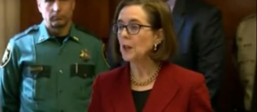 Governor Kate Brown will not send National Guard troops to the border [Image via The Common Sense Conservative / YouTube Screencap]