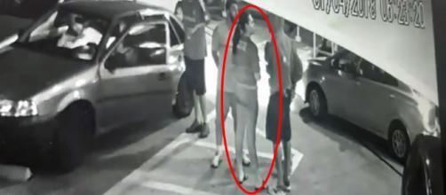Mulher é assassinada na frente de amigos (Captura de vídeo)