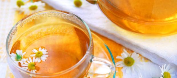 Las propiedades medicinales de la manzanilla se asocian con el alivio de la ansiedad. - uncomo.com