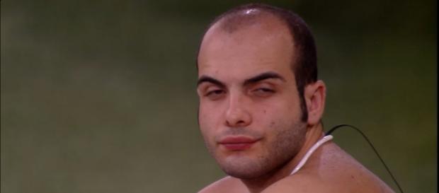 Mahmoud não tem papas na língua mesmo depois de deixar o BBB18.