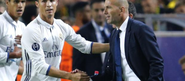 Real Madrid : Le geste incroyable de Zidane à l'encontre de Ronaldo !