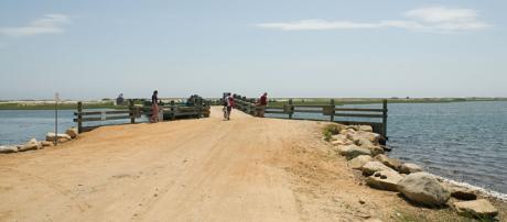 Chappaquiddick bridge [Image via Arwcheek/Wikimedia Commons]