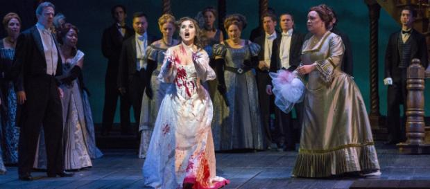 Olga Peretyatko-Mariotti in the title role of Donizetti's 'Lucia di Lammermoor.' [image source: Richard Termine / Met Opera, with permission]