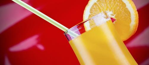 3 cocteles de color naranja - VIX - vix.com