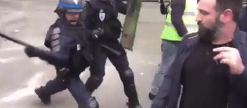 capture d'écran répression d'un regroupement d'étudiants le 10 avril à Lille