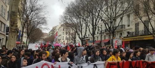 Francia: studenti in mobilitazione per il libero accesso all ... - retedeglistudenti.it