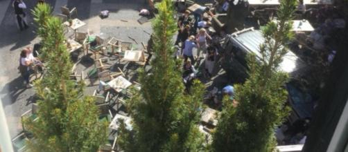 Imágenes del lugar del atentado minutos después del atropello