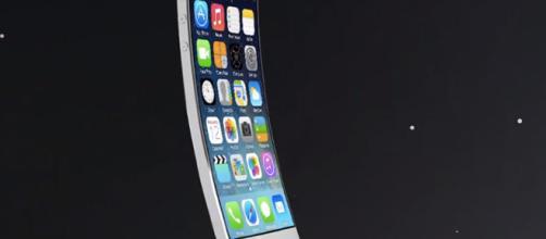 Los nuevos dispositivos iPhones vendrán con la pantalla curva
