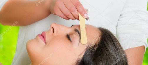 Tratamiento de depilación del vello facial. - depositphotos.com