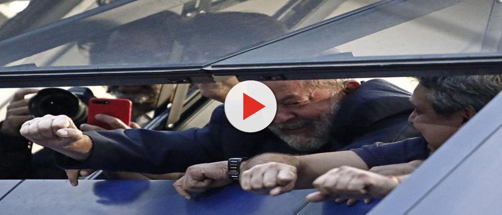 Lula não se apresenta à PF, e prisão pode ocorrer neste sábado