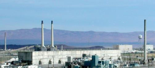 Demolition of the Hanford Nuclear Plant was halted after workers were exposed to radiation [image via wikimedia commons/US Dept. of Energy]