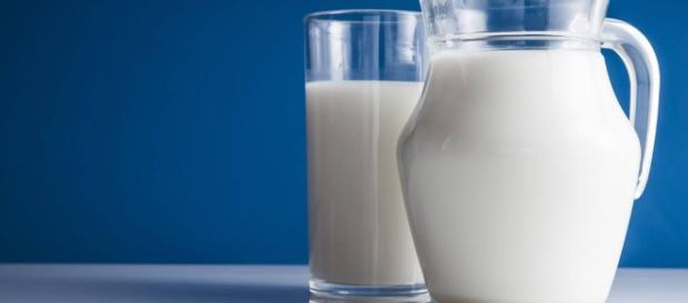 3 Types Of Milk And Why You Should Drink Only One Of Them. - [Image Credit: Jacob Robs / YouTube Screenshot]