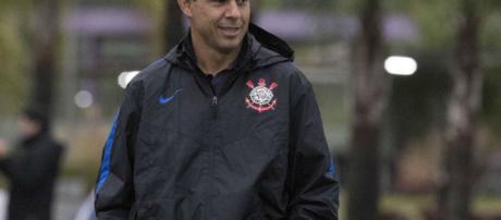 Fábio Carille chega ao 3º título como treinador do Corinthians