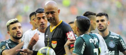 A final entre Corinthians e Palmeiras foi bem conturbada