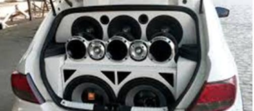 Amplificadores necessitam de uma carga alta para conseguirem funcionar