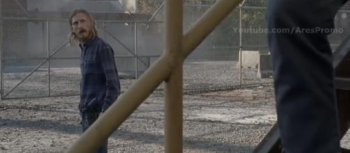 Dwight makes a choice to double-cross someone other than Negan in this episode. (Image via AMC/AresPromo YouTube screenshot)