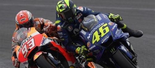 Gp d'Argentina, orrore Marquez: sperona Rossi, il pesarese cade - ilmattino.it