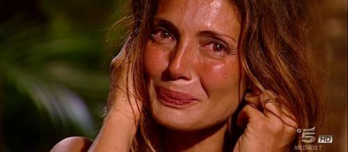 Isola dei famosi 2018 | Alessia Mancini piange | Lettera papà - today.it