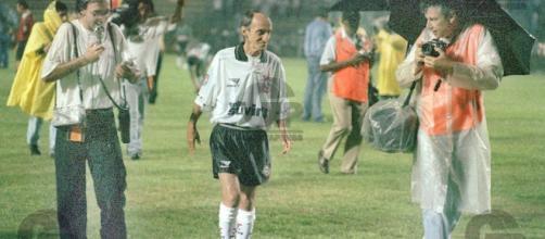 Luizinho em amistoso de 1996 Corinthians x Coritiba, atuou por 5 minutos.
