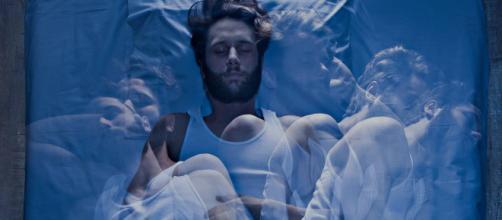 O cérebro não fica desligado enquanto você dorme.