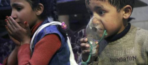 Siria: Los equipos de rescate denuncian un ataque químico del ... - elpais.com