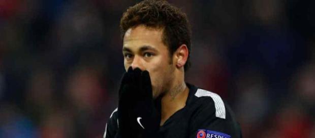 Neymar continua com muitas dúvidas. (foto reprodução).