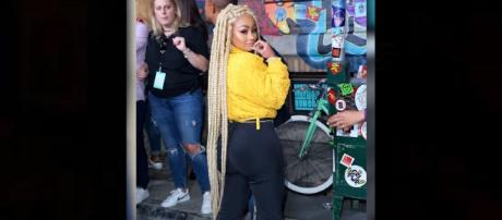 Blac Chyna pregnant with 18-year-old boyfriend. Photo: Hollyscoop Youtube screenshot.