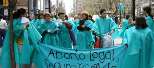 "EN MEDIO DEL DEBATE: ""La defensa del aborto carece de fundamentos wordpress.com"