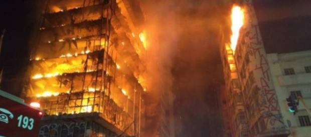 Ex-BBB 18 noticia incêndio em SP.