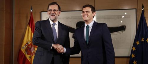 A Rajoy poco le importa la amenaza de Rivera