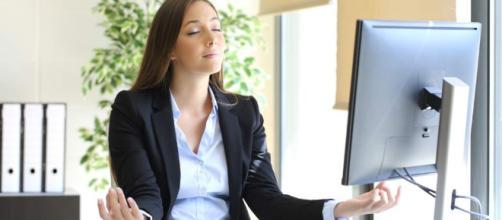 Cuando el estrés actúa por poco tiempo en el cerebro, causa excitación capaz de aumentar el foco en actividades productivas