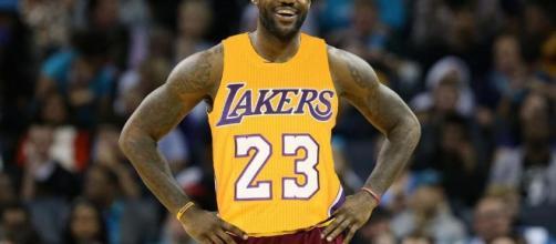 los Knicks de Nueva York: firma de LeBron James