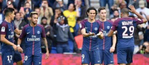 Mercato : Un ténor de Premier League veut ce défenseur du PSG !