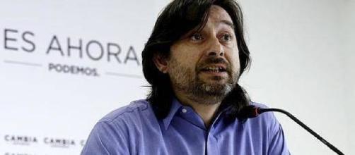 Rafael Mayoral defiende al sector del taxi. Public Domain.
