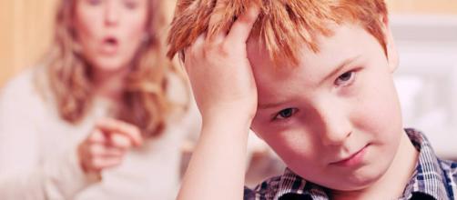 Se debe evitar gritarle a los hijos