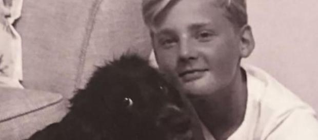 Seb Morris si suicida dopo la morte della sua cagnolina