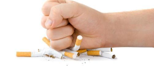 Cómo dejar de fumar utilizando practicas de mente y cuerpo.